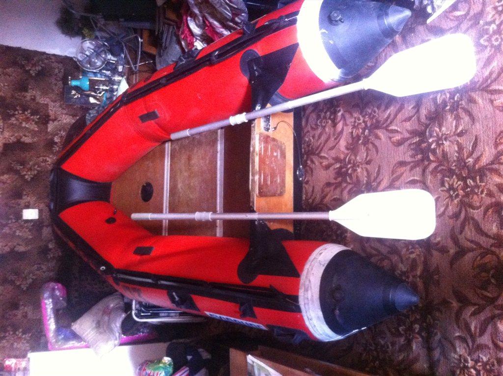 одноместная резиновая лодка под мотор