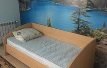 Кровать с матрасом. бу