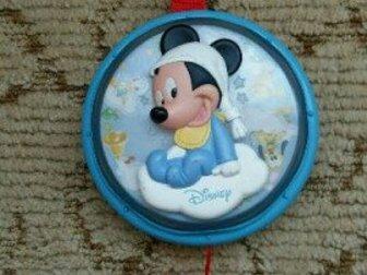 Игрушка Микки Маус музыкальная, в идеальном состоянии,  Можно повесить на кроватку, коляску, Состояние: Б/у в Астрахани