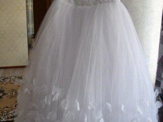Увидеть изображение Свадебные платья свадебное платье лепестки роз 32878922 в Азове