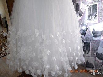 Скачать фотографию Свадебные платья свадебное платье лепестки роз 32878922 в Азове