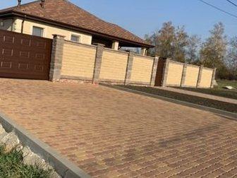 Продаётся новый дом, полностью готов к проживанию,  Построен из качественных материалов для себя,  В доме большая гостиная - кухня с выходом на террасу, три спальни, в Белгороде
