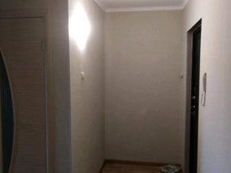 Продам 1 ком,  квартиру улучшенной планировки,  В районе треста,  Квартира после ремонта, светлая, благоприятная кухня большая, из кухни балкон,   Есть тамбур на в Бийске
