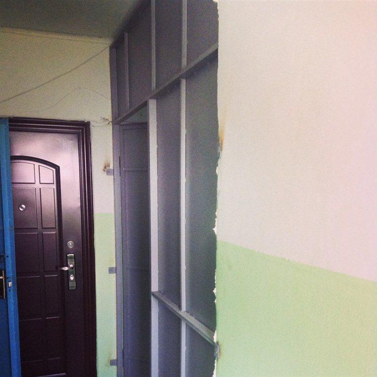 площадки у входных дверей