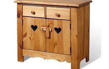 Деревянные стулья, столы, буфеты и комоды из сосны