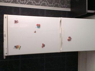 Увидеть фото Холодильники продам холодильник с морозильной камерой 33372870 в Хабаровске