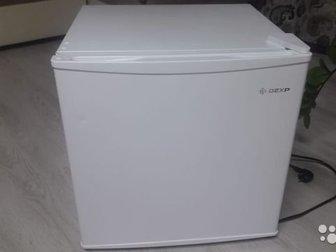 Продам почти новый холодильник, использовали 1 месяц,  Торг уместен, в Ижевске