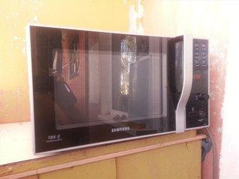 Скачать фотографию Плиты, духовки, панели Продам Микроволновую печь Samsung CE1185GBR 33210118 в Электростали