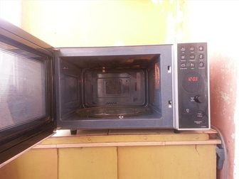 Просмотреть фото Плиты, духовки, панели Продам Микроволновую печь Samsung CE1185GBR 33210118 в Электростали