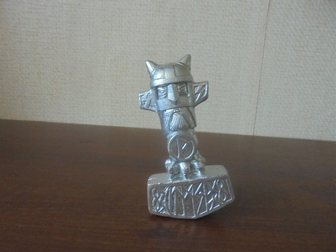 Увидеть фото Коллекционирование молот тора 32414206 в Энгельсе