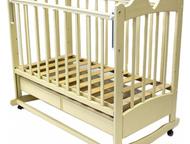 Детская кроватка-качалка на колесиках Характеристики:  - внешние размеры: 126x78
