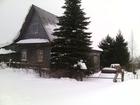 Просмотреть фото Дома продаю дом в живописном месте на берегу реки Вятка в дер, Кузнецы недалеко от Сидоровки, На участке есть баня,хлев,летний душ,туалет,хоз, постройки,колодец 60349891 в Кирове
