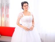 Продам шикарное свадебное платье Продам свадебное платье белого цвета, очень пыш