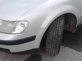Увидеть фото  Volkswagen Passat серебряный седан, 1999 г 33147421 в Москве