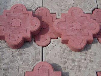 Скачать бесплатно фотографию Строительные материалы Тротуарная плитка Клевер краковский в сборе 34023020 в Кургане