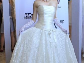 Уникальное изображение  свадебное платье прямого силуэта 40053944 в Москве