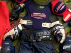 Фото в Одежда и обувь, аксессуары Спортивная одежда продам детскую хоккейную форму б/у на 6-8 в Москве 7000