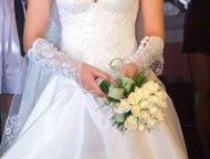 Свадебное платье Размер 42-44 (S) Ткань- тафта, корсет - шнуровка, цвет айвори.