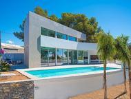 Недвижимость в Испании, Новая вилла с видами на море от застройщика Недвижимость