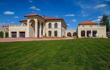 Продается 2-х этажный дом площадью 1400 м2