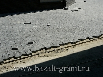 Просмотреть foto Строительные материалы Брусчатка базальтовая пиленная 10х10х5 26408967 в Москве