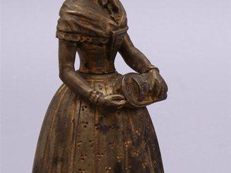 Смотреть изображение  Колокольчик для прислуги Дама, Европа, 19 век 32470046 в Москве