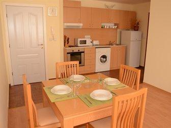 Просмотреть фото Зарубежная недвижимость Двухкомнатная квартира в Болгарии с видом на море и бассейны 32815321 в Москве
