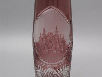 Скачать foto  Ваза с изображением здания Государственного Исторического Музея на Красной площади в Москве 32879910 в Москве