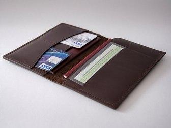 Уникальное фото  Аксессуары из кожи: портмоне, кошельки, сумочки, обложки для документов 38975381 в Москве