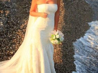 Просмотреть фото Свадебные платья Продам элегантное брендовое свадебное платье в стиле рыбка, 40256014 в Москве