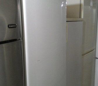 Фотография в Бытовая техника и электроника Другая техника Продам чудный холодильник. Работает как негр в Москве 8000