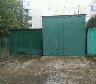Изображение в   Продается металлический гараж, находящийся в Москве 230000
