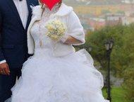 свадебное платье продам свадебное платье, очень красивое.   Верх и низ (спереди)