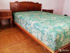 Двуспальная кровать с инкрустацией из массива дер