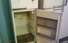 Холодильники продаю