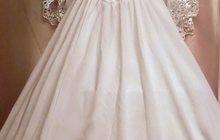 Продам белое платье в хорошем состоянии