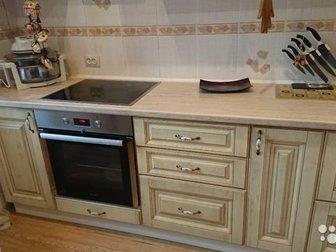 Кухонный гарнитур, размер 3,23?0, 60,в эксплуатации 1,5 года, духовка горенья, варочная панель электролюкс, вытежка, 70 т,  С торгом в Новосибирске