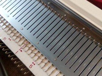 Породам вязальную машинку 3го Brother KH230 класса в отличном техническом состоянии,полный комплект, Япония, в Новосибирске