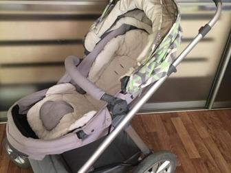 В нее невозможно не влюбиться! Коляска-трансформер Ultra английской фирмы Happy Baby!Люлька коляски трансформируется в прогулочный блок без лишних съемных деталей, в Новосибирске