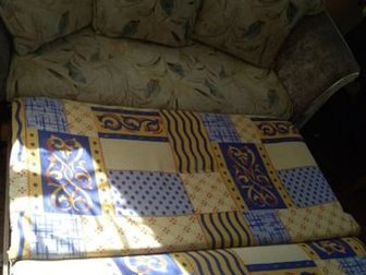 Диван с тремя подушками, в Новосибирске