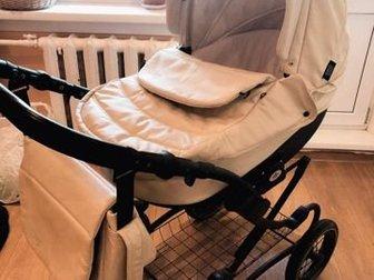 Продается коляска Zippy в хорошем состоянии,  Полный комплект, крепления в порядке,  Материал - эко-кожа, непромокаемый и прочный,  Коляска не всепроходимом шасси, в Новосибирске
