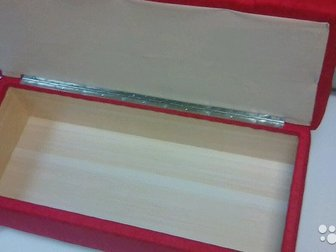Банкетка с каретной стяжкой,  Размеры: 90/42/40,  Украшена стразами ( возможен вариант с пуговицами - 1000 р, ),  есть место для хранения, хромированные ножки,  в Новосибирске