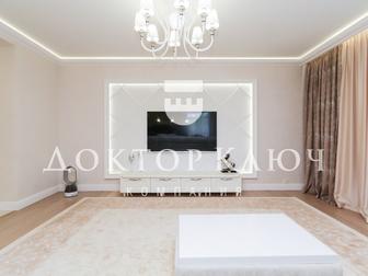 Предлагаем к приобретению уникальную, новую и просторную квартиру в элитном поселке Кедровый, в безусловно лучшем жилом комплексе Новосибирска,   О квартире:  - в Новосибирске
