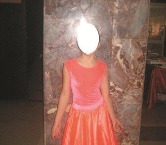 Фото в Одежда и обувь, аксессуары Спортивная одежда 1. Очень красивое синее платье на возраст в Новосибирске 2300