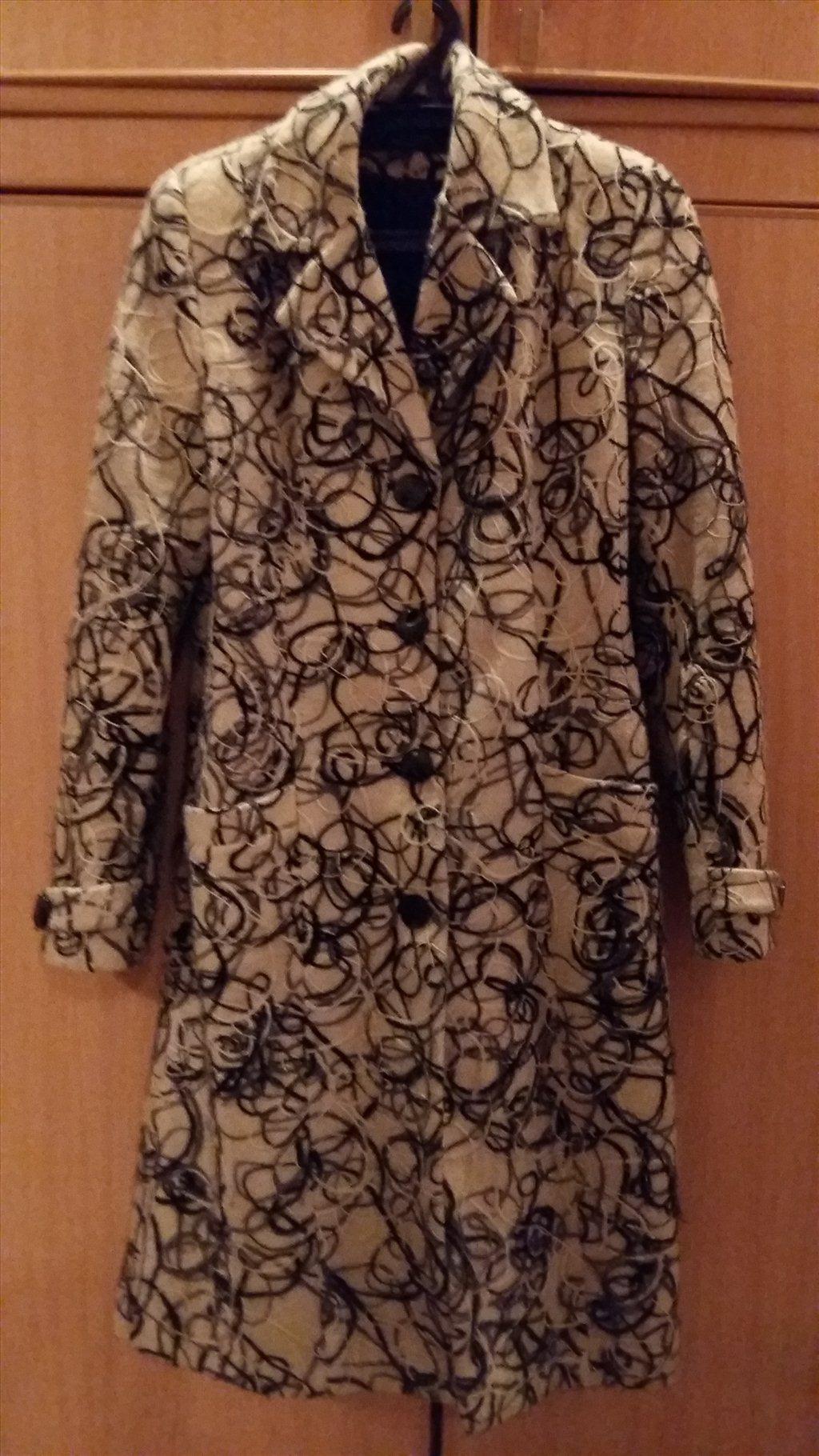 34fc7d6cb27 Скачать фото Женская одежда Продам пальто женское 33858714 в Омске ...