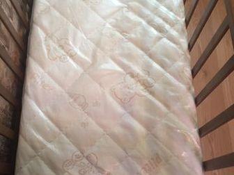 В идеальном состоянии, пользовались мало ! кроватка с механизмом маятник , выдвижной ящик для одежды ( мы им не пользовались ) , высота регулируется ,  Дорогой , в Орске