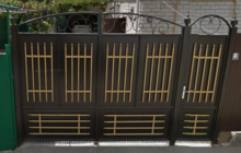 Ворота фото распашные с калиткой