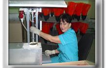 Полуавтомат по выпуску пластиковой метлы