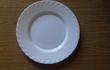 Продаю белые большие тарелки диаметр 25 см.