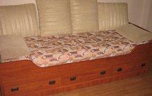 кровать, можно использовать как диван